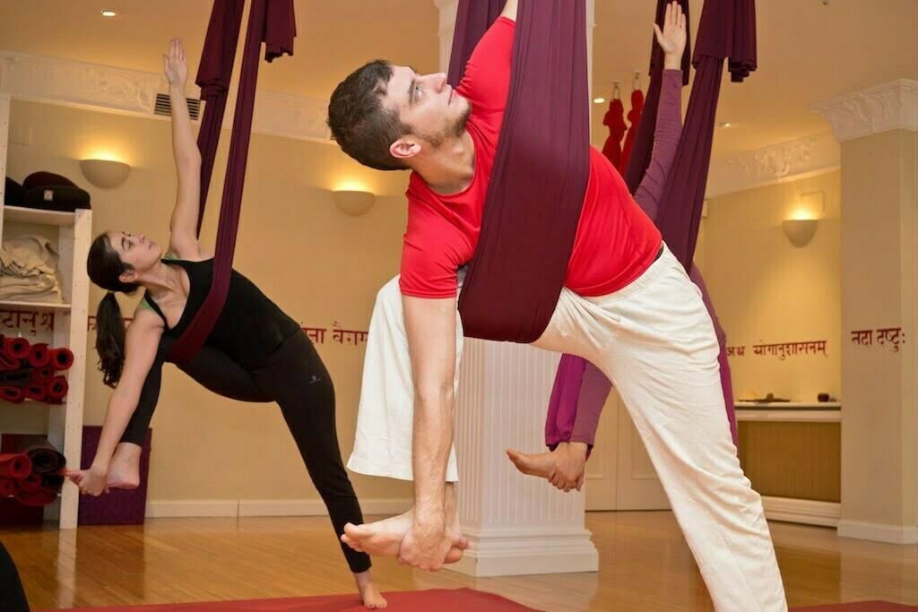 Por los aires con yoga unnata yoga en red - Musica para hacer yoga en casa ...