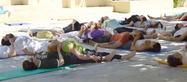 Dans partenaire Yoga