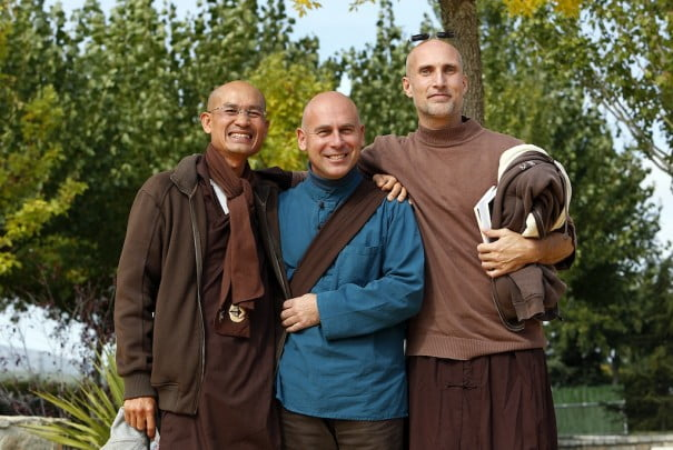 Monjes Thich Nant Hanh