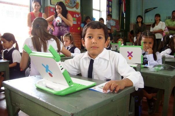 Escuela Tiniente Farina, Caacupe, Paraguay