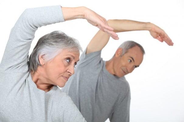 Anziani lo yoga