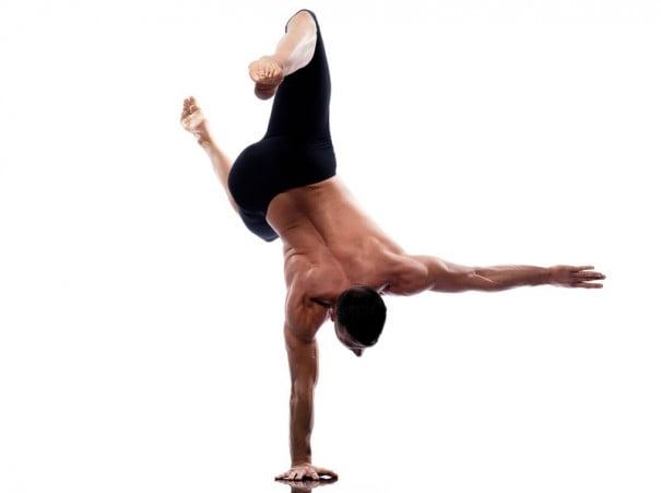 acrobacia o yoga