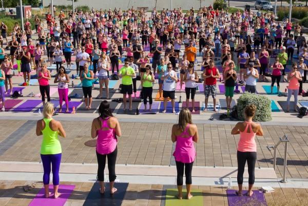 dia internacional del yoga torre del mar