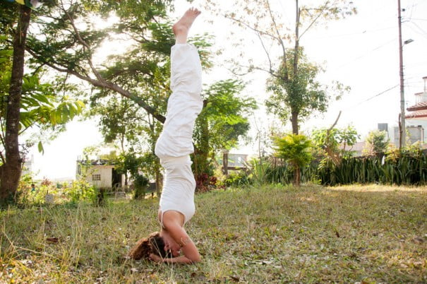 yoga clavo