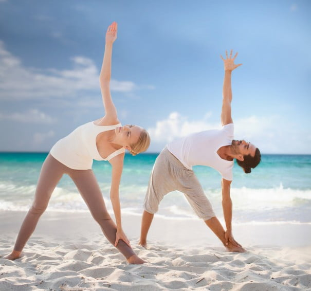 partner van yoga Beach