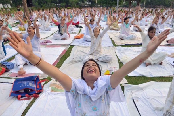 Session of yoga in Amritsar (India). NARINDER NANU (AFP). Posted by www.elpais.com