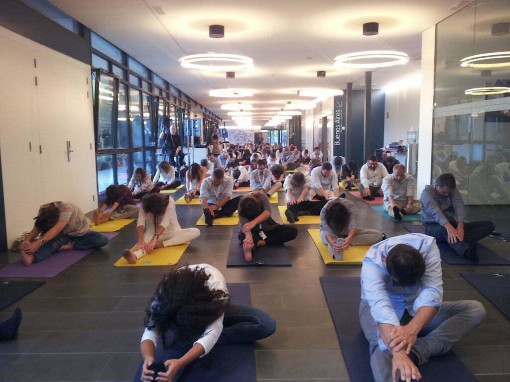 Profesores de yoga a las empresas yoga en red - Clases de yoga en casa ...
